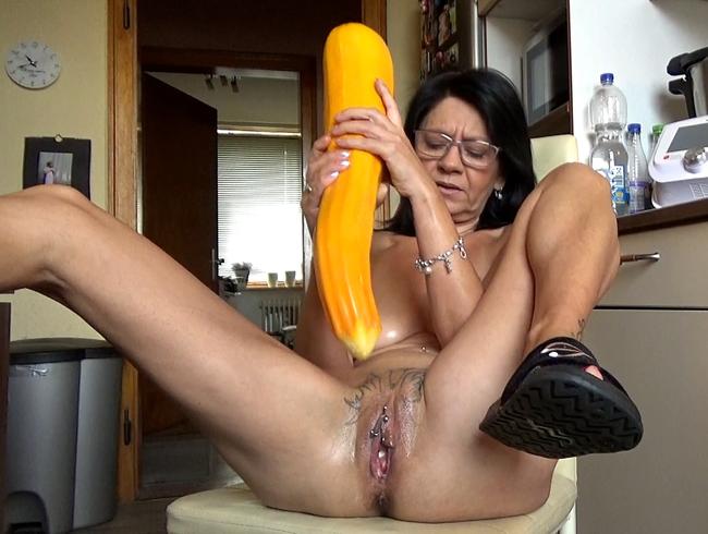 Video Thumbnail Monster XXL Gemüse für mein Fötzchen