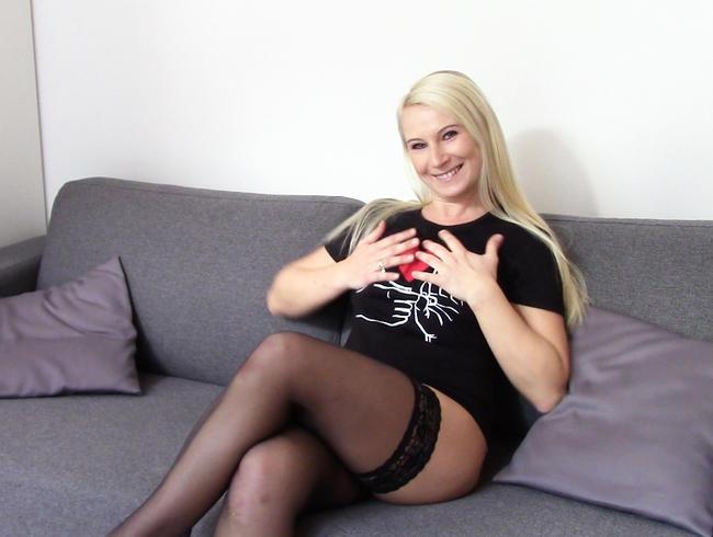 Video Thumbnail Blonde Ehehure fickt mit USER ohne Gummi