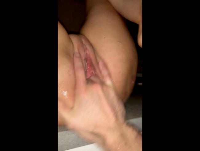 Video Thumbnail Auf der Küchenzeile zum abspritzen gebracht