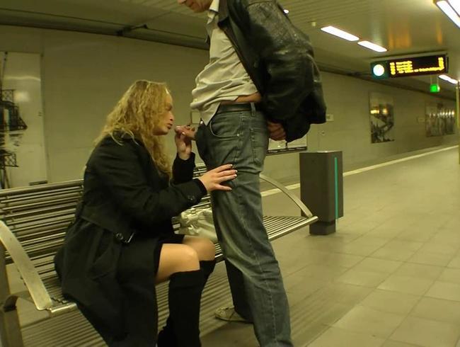 Video Thumbnail mitten in der U-Bahn geblasen :: :: ::