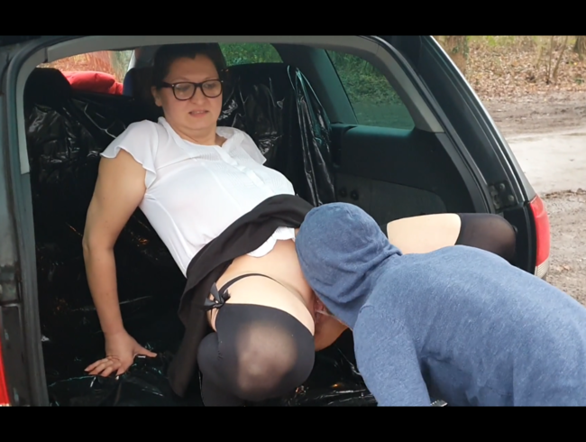 Video Thumbnail Rastplatz Publik..frischer Sekt aus Kofferraum getrunken