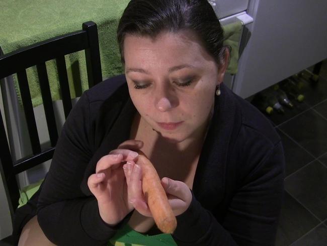 Video Thumbnail Ich gönne Deinem Arsch die frische Karotte