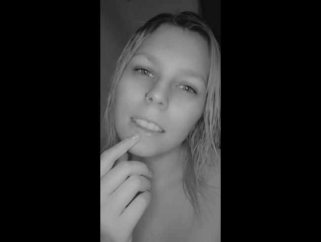 Video Thumbnail Kleines S/W Video nach der Dusche(ohne ton)