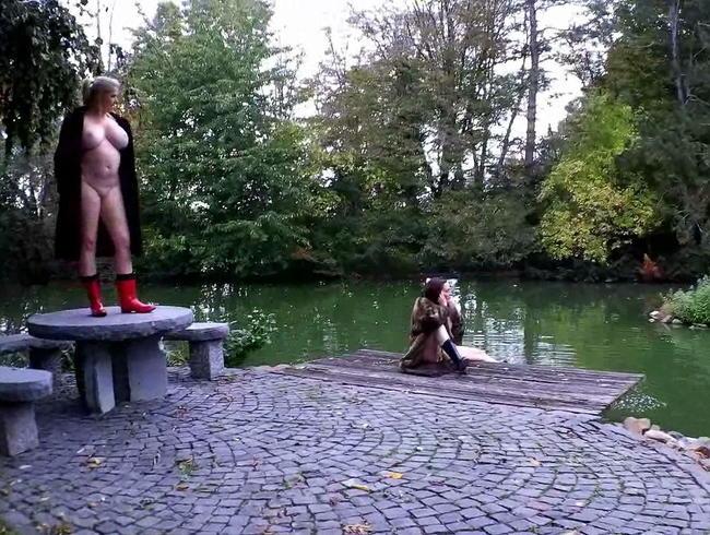 Video Thumbnail nackt im Park