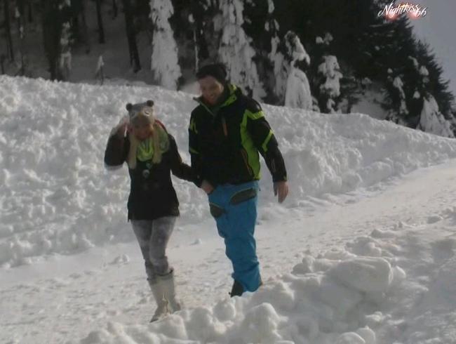 Video Thumbnail Auf der Suche nach .... egal wie kalt es ist - einmaliger Clip-Outdoor-Public-verrückt!