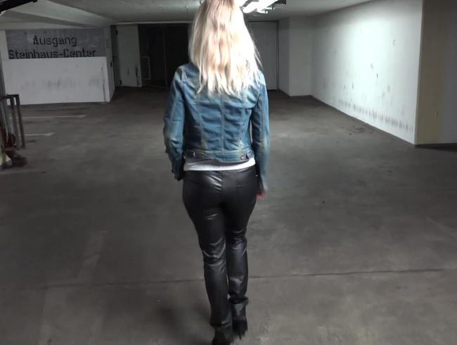 Video Thumbnail Dreister Tiefgaragen Fick mit heißer Blondine