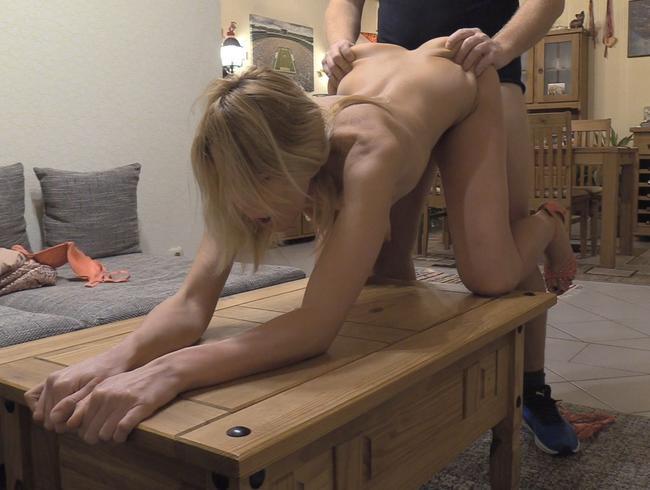 Miley-Weasel - Er fickt mich einfach auf dem Tisch !!