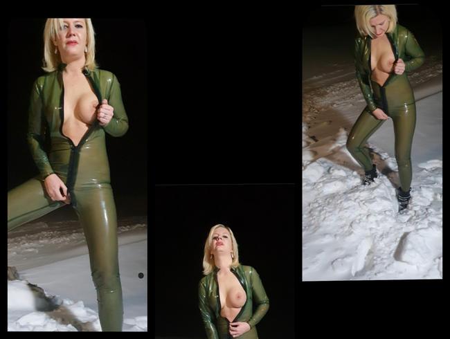 Video Thumbnail Latex Pissen im schnee