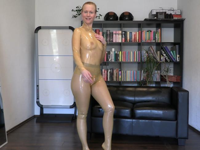 Video Thumbnail Layer und Latex Fetisch - das Anziehen