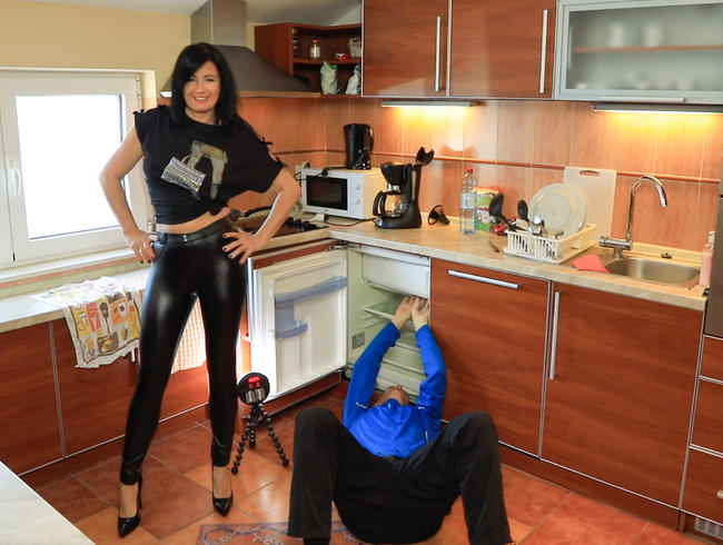 Video Thumbnail EHEMANN LUTSCHT HANDWERKER-CREAMPIE AUS DER LEDERFOTZE