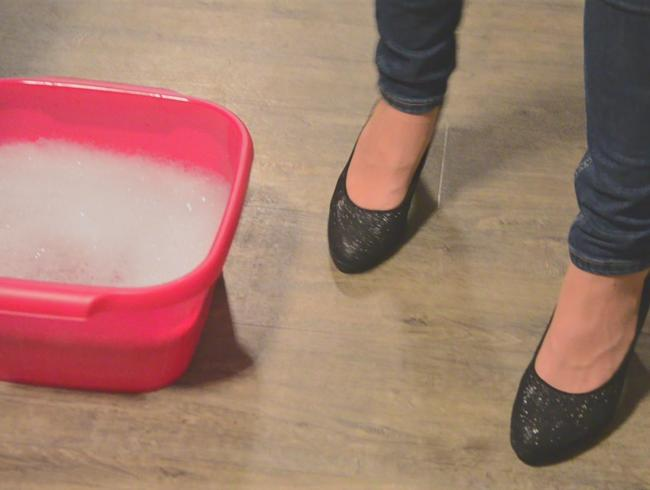 Video Thumbnail Schaumig geiles Fußbad für meine strapazierten Füße