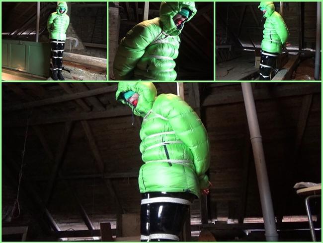 Video Thumbnail Gefangen in Puffjacke auf dem Dachboden