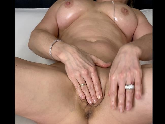 Video Thumbnail Der Dildo, viel Öl und ich;-)