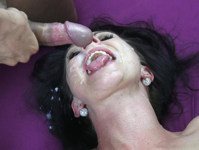 Video Thumbnail Devote Spermaschlampe wird hart zerfickt !!!