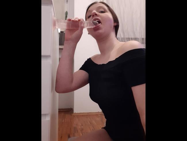 Video Thumbnail Ich blase meinen Dildo!! ;)