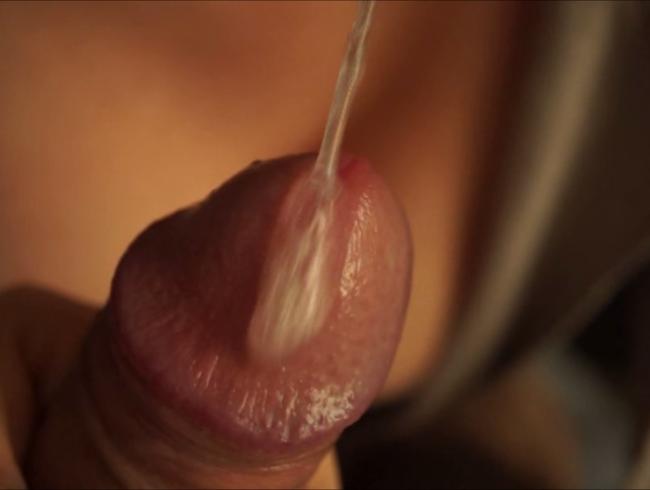 Video Thumbnail Spucke Fotzenschleim und gierige Lippen