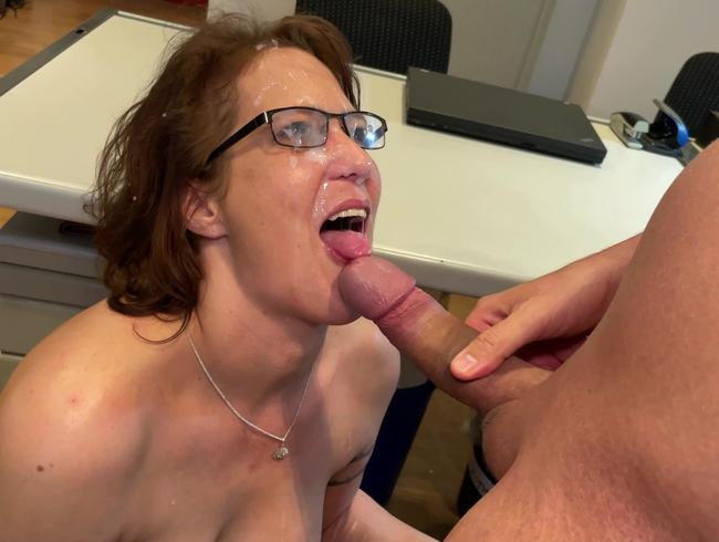 Video Thumbnail Fehler müssen bei der Chefin mit Sex bezahlt werden