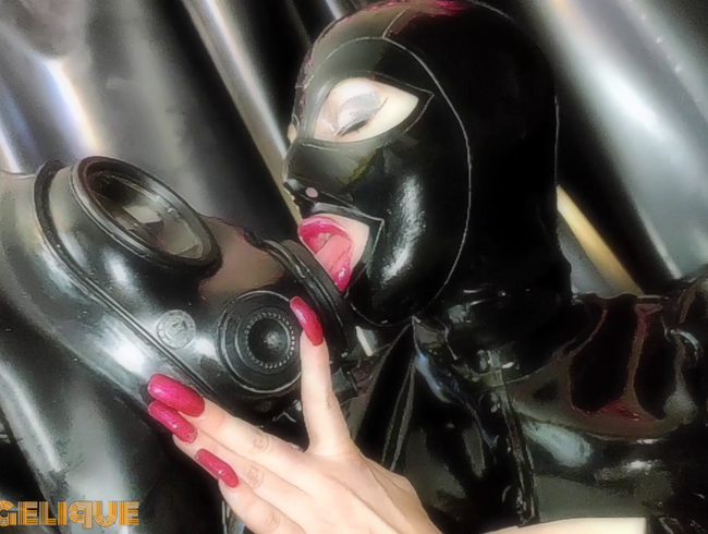 Video Thumbnail Suit Up! Maske und Gasmaske