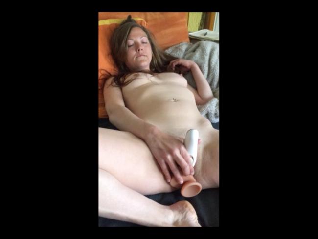 Video Thumbnail Mega dreist - Vom Mitbewohner beim Masturbieren gefilmt!
