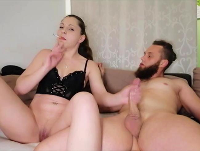 Video Thumbnail Smoking Luder teilt ihre Kippe !