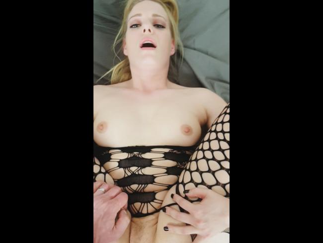 Video Thumbnail Direkt nach der Cam gefickt und riesige Ladung auf die Titten gespritzt!