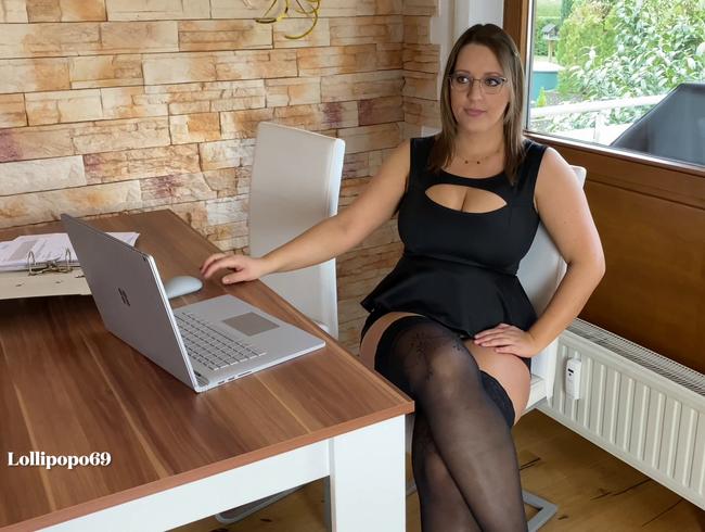 Video Thumbnail Versicherungs-Agentin auf Kundenfang