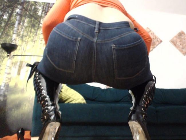 Video Thumbnail Jeans, Latexstiefel, Prügel und Spaß