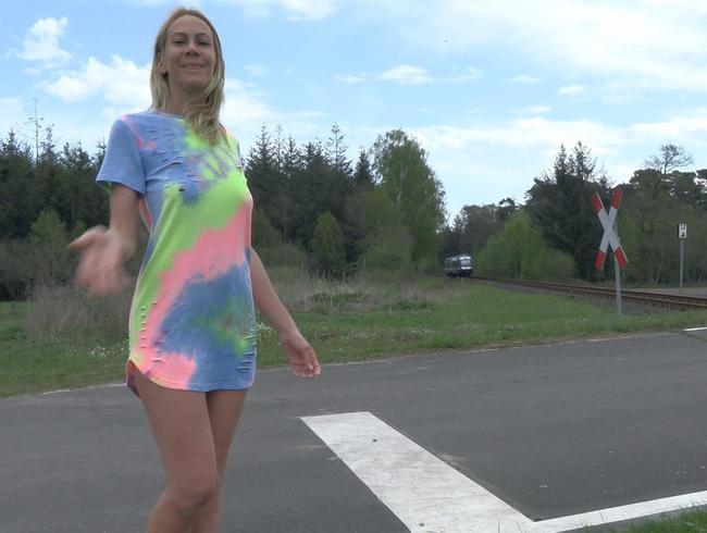 Video Thumbnail RISKANT!! 3-Lochfick mitten am Bahnübergang !!