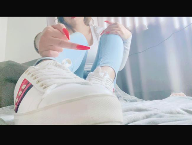 Video Thumbnail Diene meinen Füßen, Sohlenficker. Teil 1