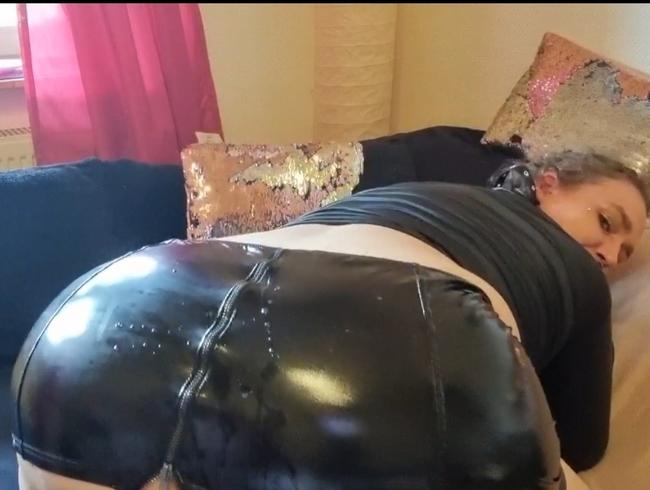 Video Thumbnail WEHRLOS...HARDCORE...BENUTZT mit ANAL-ZERSTÖRUNG und Sperma Ladung für meinen LACK-ROCK-ARSCH