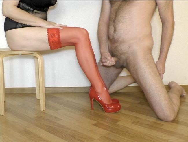 Video Thumbnail Rote Strümpfe und Absätze Shoejob, Shoefuck und Nylon Legjob
