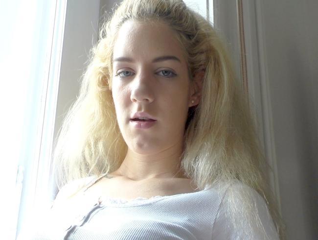 Video Thumbnail Blonde Barbie besucht ihren Freund Ken