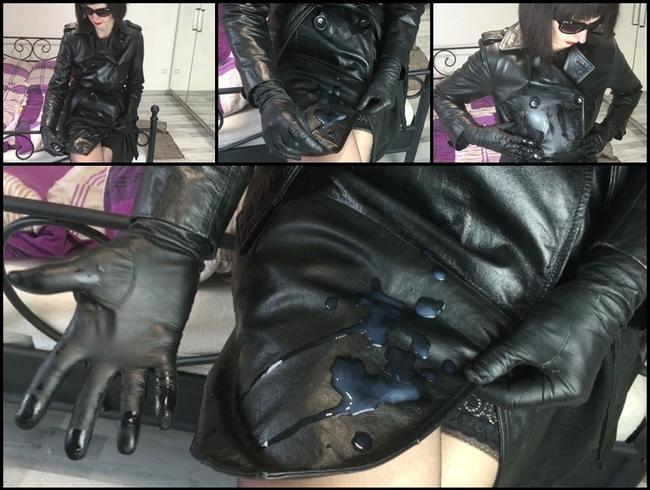 Video Thumbnail Sla*es Sperma auf meinem Vintage-Leder