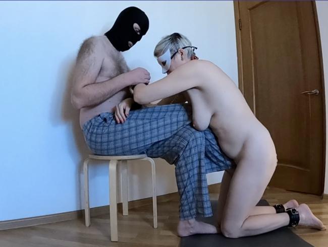 Video Thumbnail Unterwürfig reife Schlampe Fuß humping Orgasmus