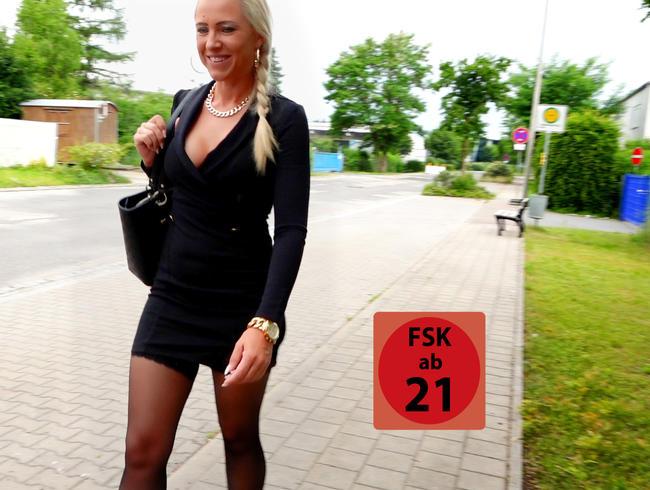 Daynia - Extrem perverser Sex in der Öffentlichkeit   Dieses Schichtende wird er NIE vergessen! XXL Laen
