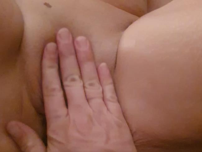 Video Thumbnail Streicheln kommt vor fisten