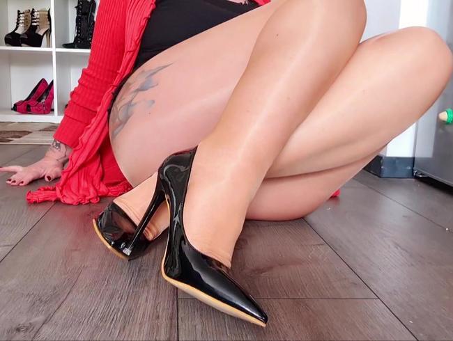 Video Thumbnail Fußpräsentation in Nylons und schwarzen Heels