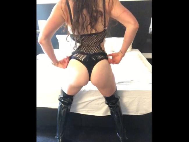 Video Thumbnail Schokoschleckertraining beim DIRTY GAMES Camp mit deiner Mistress