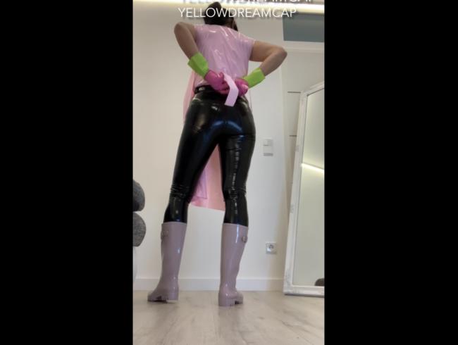 Video Thumbnail Putztag in meiner PVC Kleidung und Gummistiefel