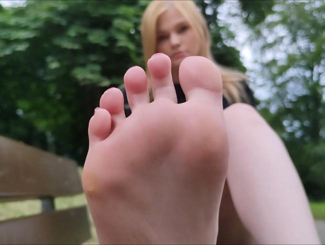 Video Thumbnail Fußleck User im Park Erwischt (POV).
