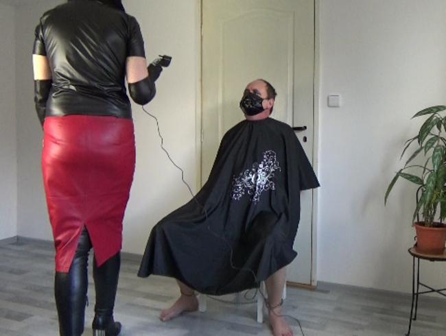 "Video Thumbnail Lederfriseur, Teil: ""Schweinskopf rasieren"""