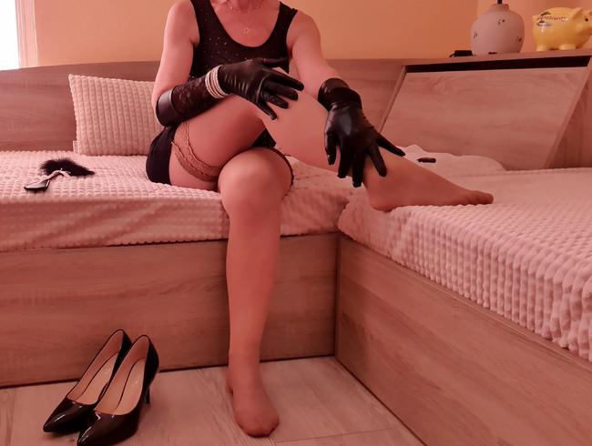 Video Thumbnail Hast Du Lust meine Füße zu verwöhnen?