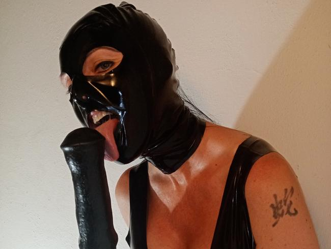 Video Thumbnail Squirt im Latex-Outfit