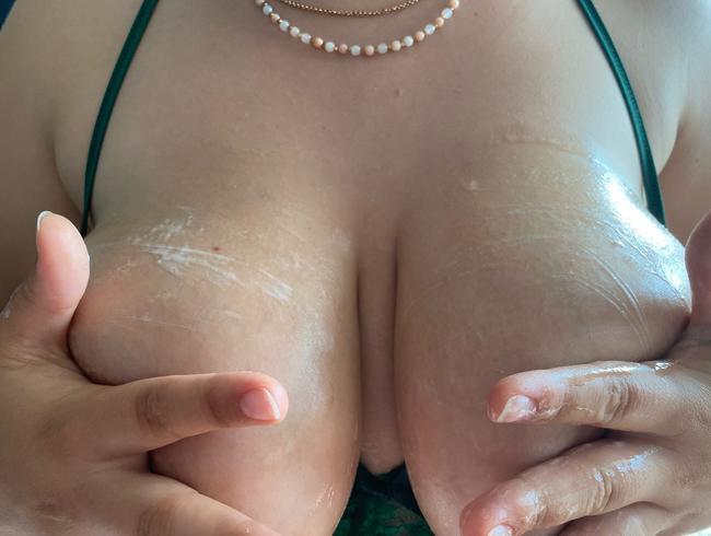 Video Thumbnail Blowjob und abgespritzt auf meinen Brüsten