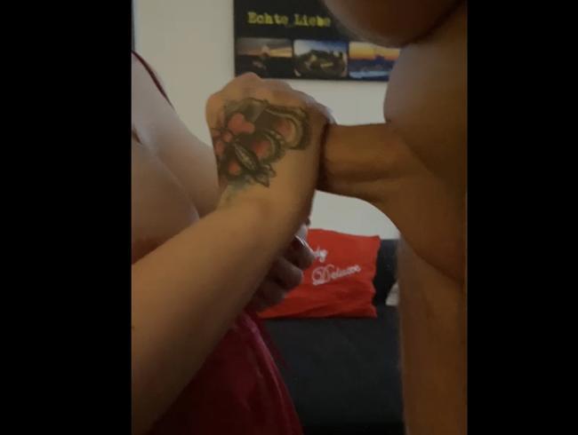 Video Thumbnail Hj, und er spritzt mir auf die Titten