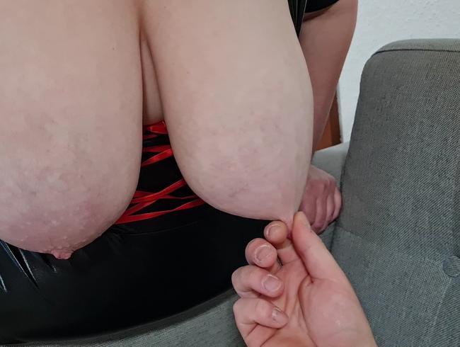 Video Thumbnail Lasse meine Titten abgreifen