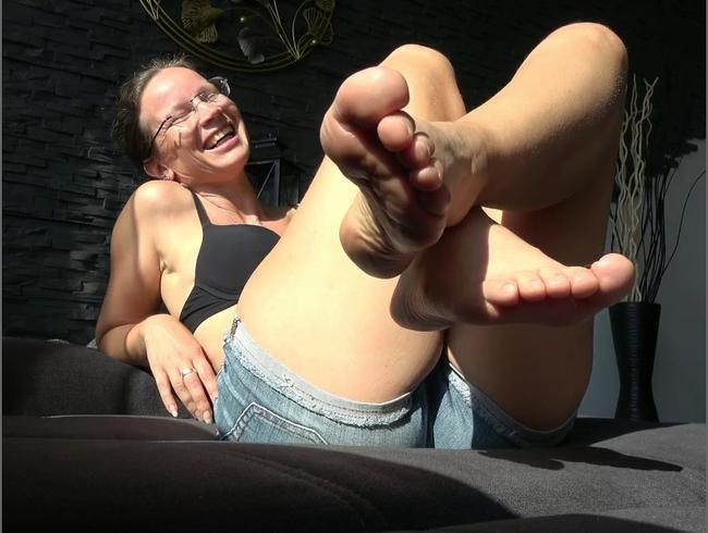 Video Thumbnail Meine Schweißfüße hast du zu lecken!