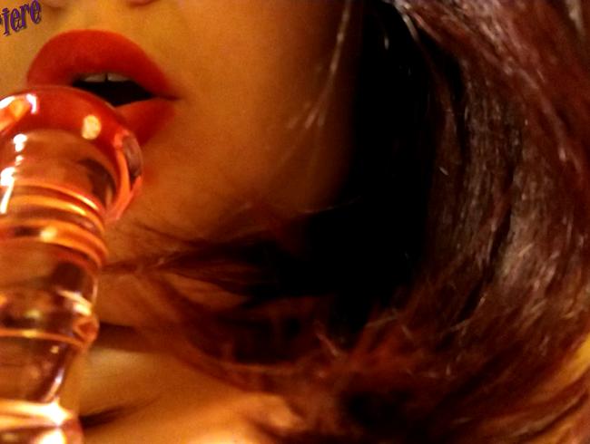 Video Thumbnail Super erotische orale Neckerei aus nächster Nähe von Demi  Mit rotem Lippenstift