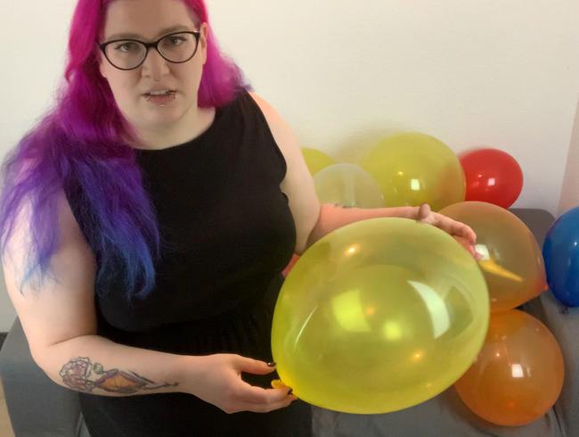 Video Thumbnail Stiefschwester macht sich über deine Ballons lustig