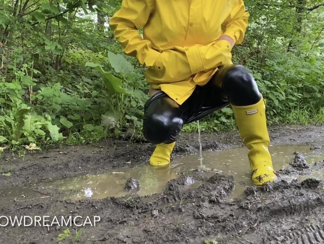 Video Thumbnail Geiler Waldspaziergang in Gummi mit vielen Höhepunkten
